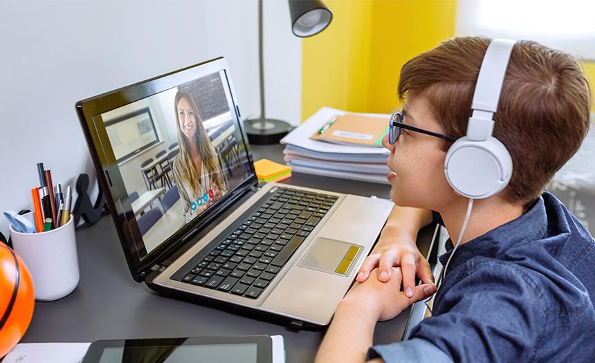 Clases en línea: mejora la productividad de tu hijo