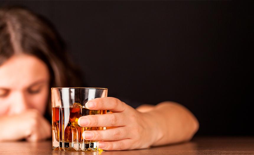 América, el continente en donde más mujeres sufren alcoholismo