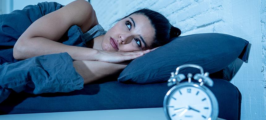 ¿Dormir de más los fines de semana ayuda a recuperar el sueño perdido?