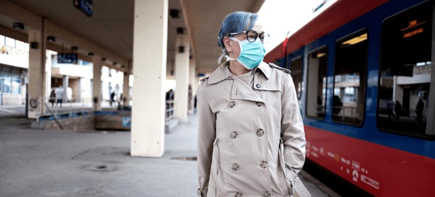 El brote de coronavirus avanza en el mundo causando más muertes