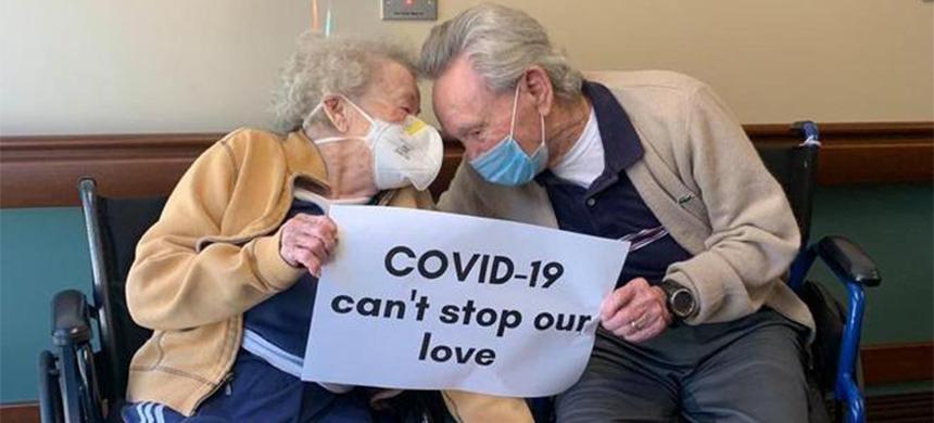 Pareja de 90 años se reencuentra después de enfrentar el COVID-19