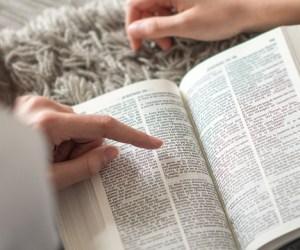 5 consejos del libro de Proverbios para una vida feliz