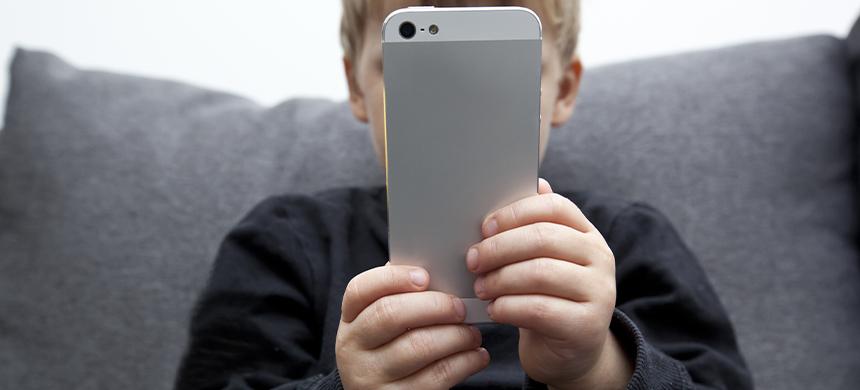 Calmar a tus hijos con las pantallas los desequilibra emocionalmente