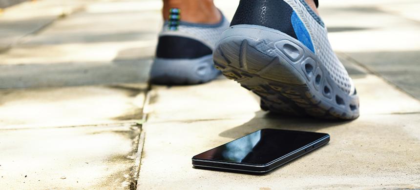 Desintoxicación digital: jóvenes abandonan las redes sociales para aprovechar la vida