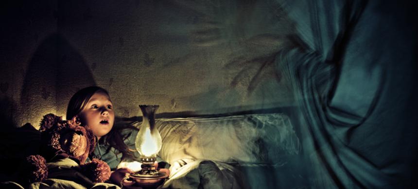 Familia británica afirma vivir en una casa embrujada