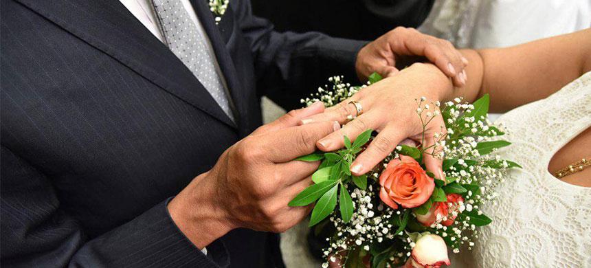 El sueño de casarse se hizo realidad para 514 parejas en la Terapia del Amor