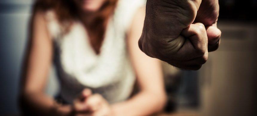 4 señales de que estás en una relación con un futuro agresor