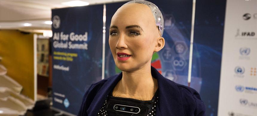 ¿Qué esperar del futuro? El robot Sophia se producirá en masa