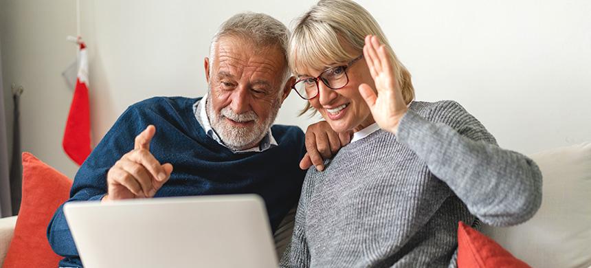 Compartir buenas experiencias hace a las personas más felices, según estudio