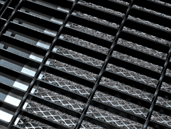 Metal Grill w/ Mesh-Steel Bar
