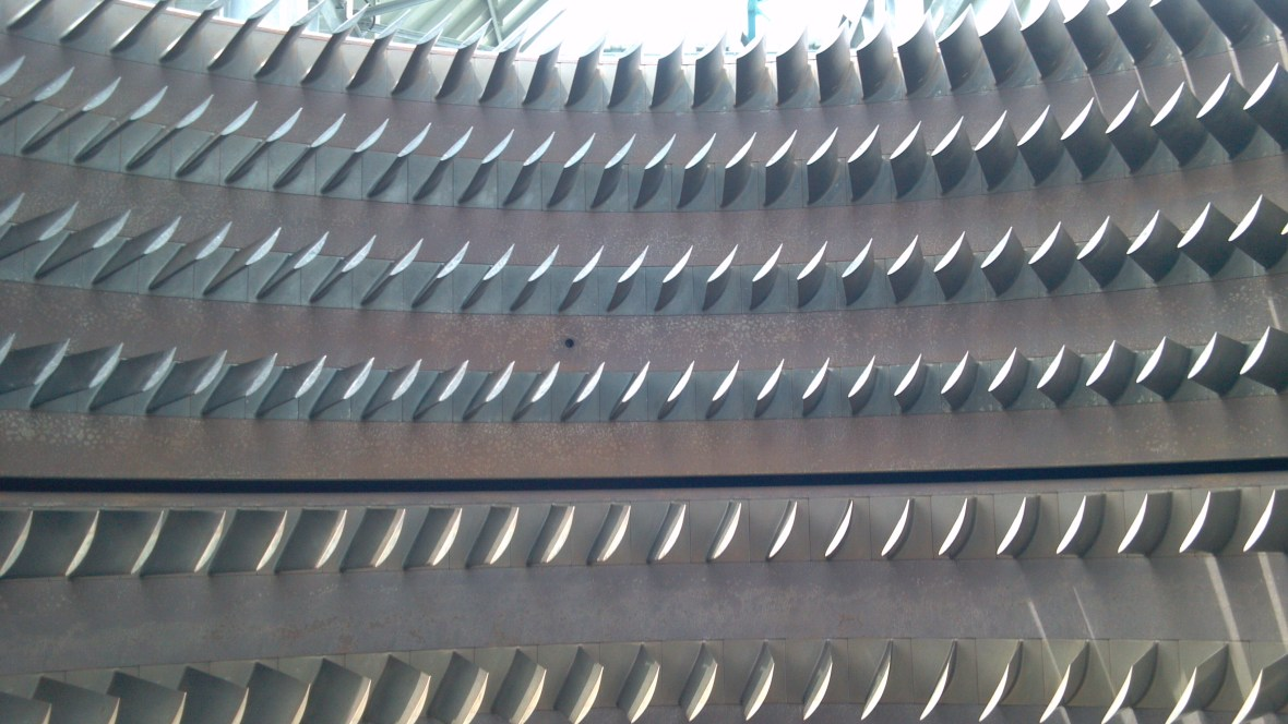 Turbine Case and Blades After Co2 Blasting