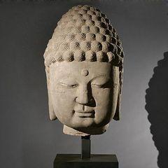 20110305110021-sandstone_buddha_head