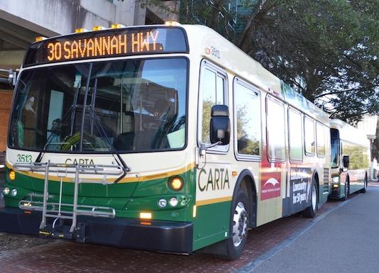 Nueva ruta temporal de CARTA lleva pasajeros a Isla de Palmas
