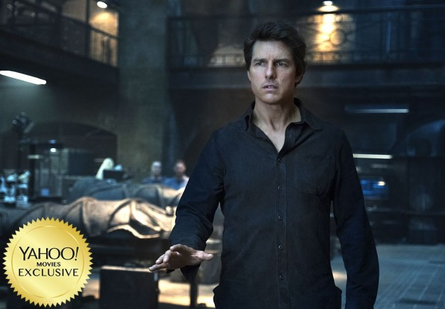 "Universal Releases New Photo of Tom Cruise as Nick Morton from ""The Mummy""!"