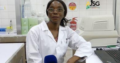 INSP: à la rencontre de Penda Maladho, responsable du laboratoire qui traque le coronavirus en Guinée
