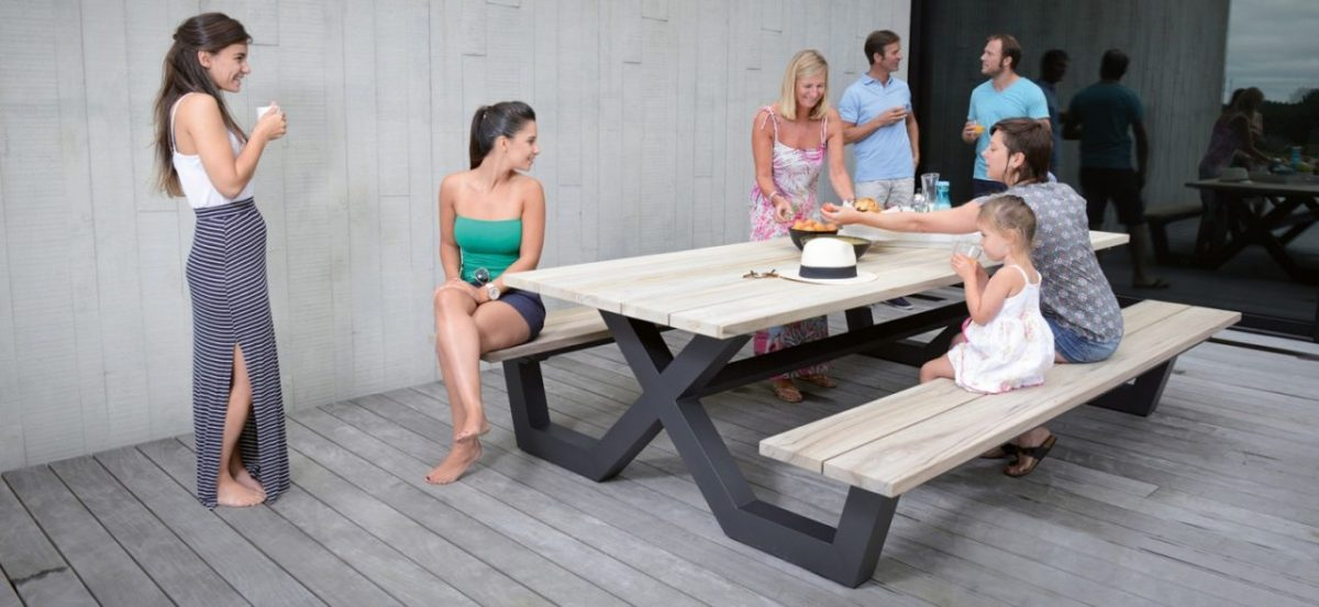 GESCOVA COLLECTION : PICNIC TABLE BY BONUCCI.