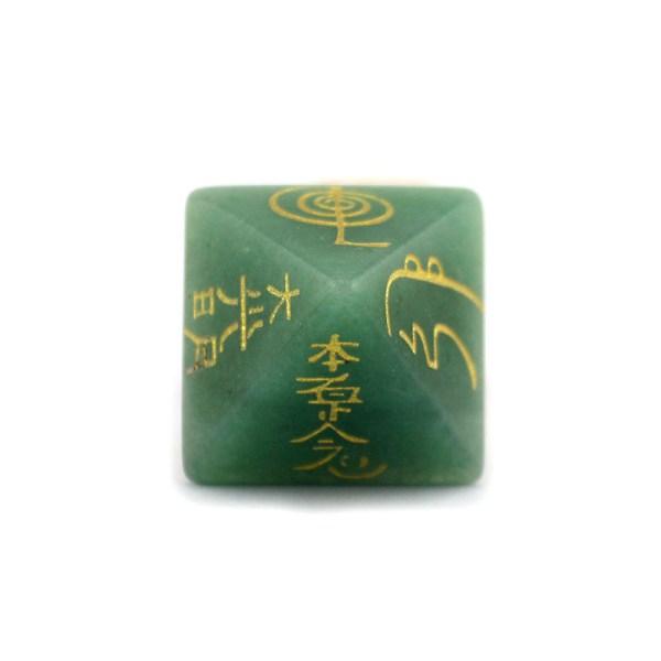 Pyramide avec symboles Reiki en pierres naturelles aventurine verte