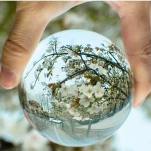 Boule de Cristal 80 mm avec support Univers Esotérique