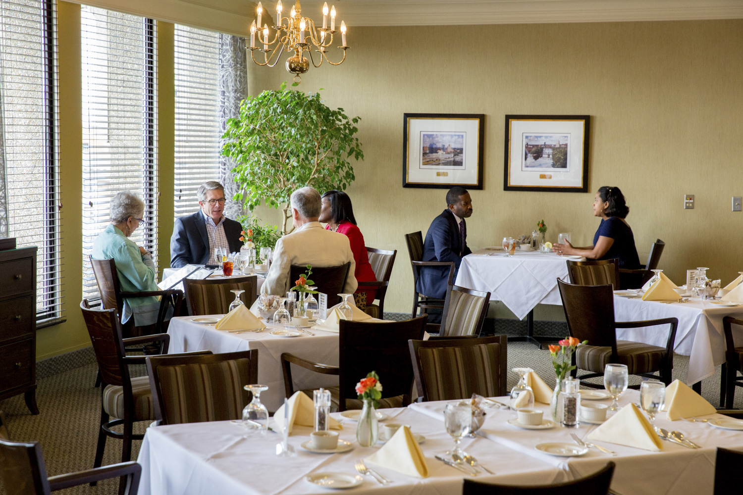 Dine At The University Club