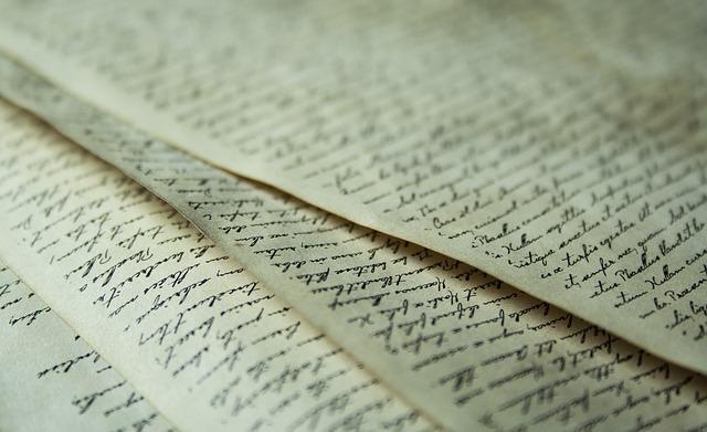 papel-escritura-redacción-corrección-traducción