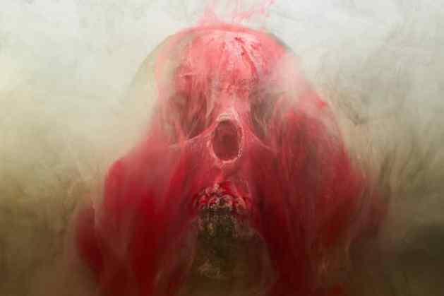 calavera-sangre-la-mascara-de-la-muerte-roja