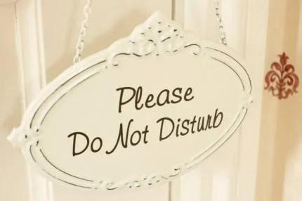 """Segnale indicante """"per favore non disturbare"""""""