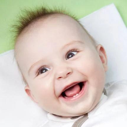 neonato-primi-dentini