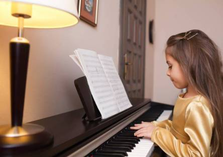bambina pianista