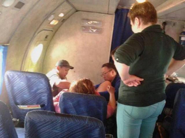donna partorisce in volo