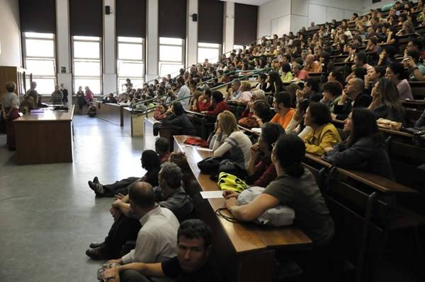 aula magna studenti