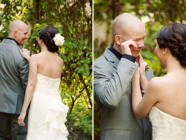 coppia sposi lui commosso