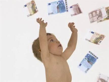 neonato-e-soldi