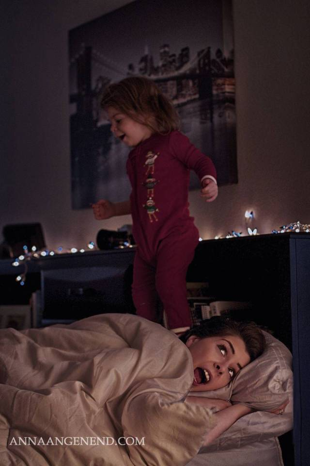Mom-turns-chaotic-life-with-toddler-into-fun-photo-series.-17__880