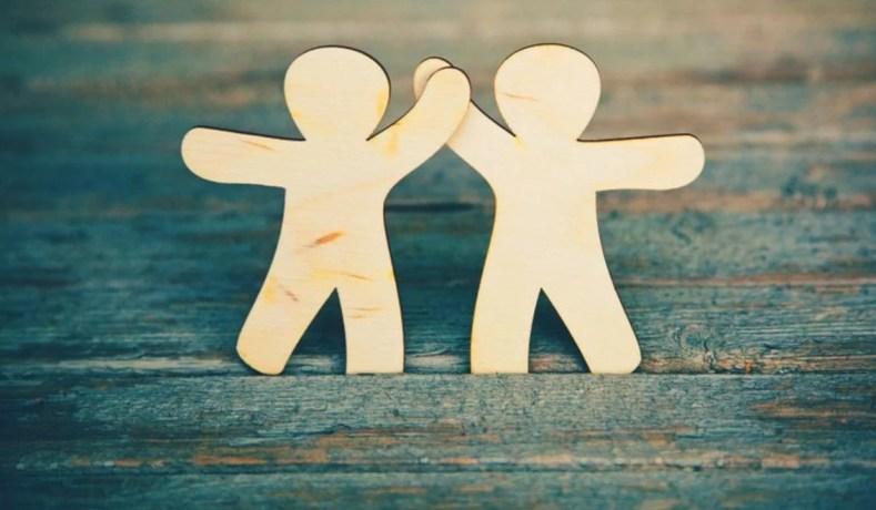 Amizade, Valorização E Seus Encantos