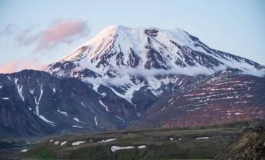 vulcão Tolbachik - Novo Mineral Que Pode Viabilizar Baterias De Sódio Foi Descoberto na Rússia
