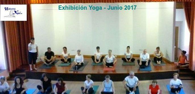 Exhibición de Yoga en Centro Sociocomunitario de Coia
