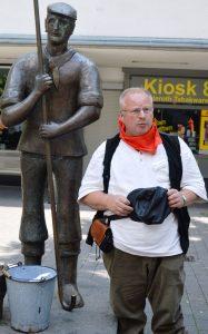 Schlammbeiser Peter Meilinger, hat sich das historische Wissen zu seinen Führungen selber angelesen.