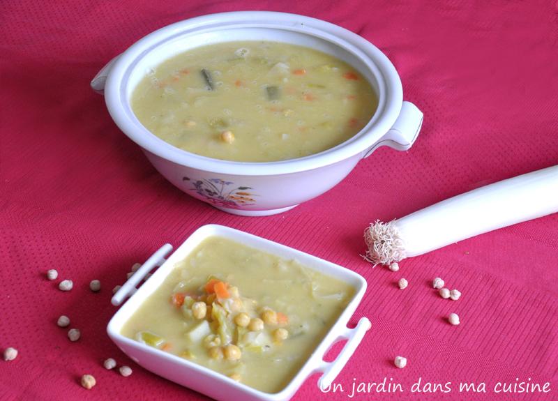 soupe poireaux pois chiches et carotte