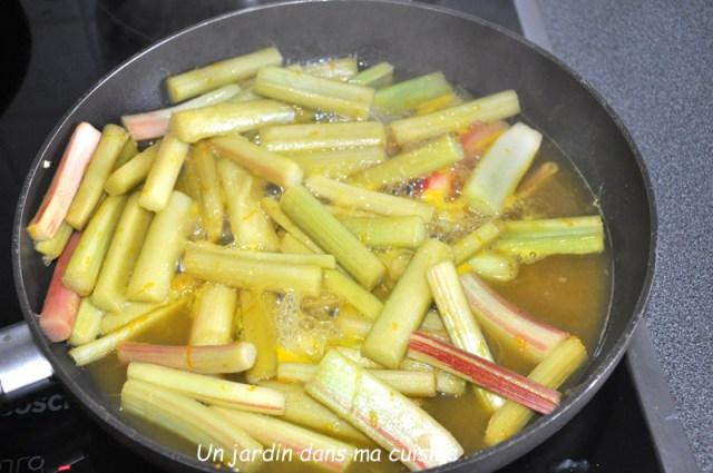 Tarte crème amandes rhubarbe caramélisée