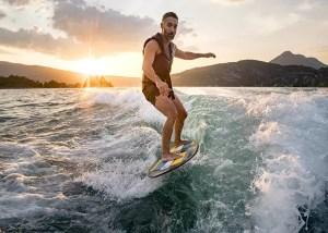 wakesurf-supra-boat