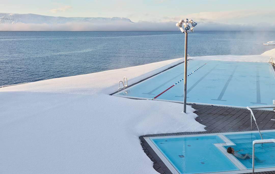 冰島的國民運動: 走吧,到游泳池泡溫泉去! - UNLOCK ICELAND