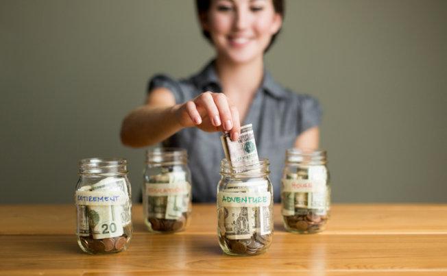 Minimalist Millennials Go to Extremes to Save Money
