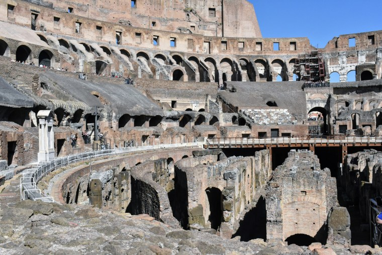 Historical Highlights of Rome - colosseum