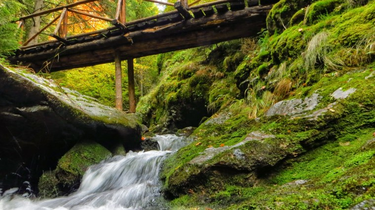 best fall hikes around the world