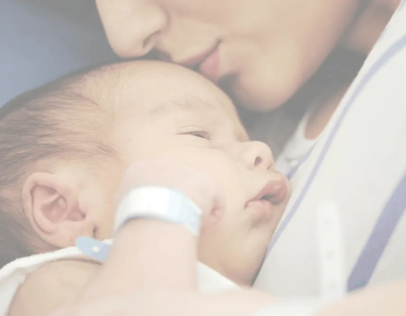 Keep the Faith: How to Overcome Postpartum Depression with God. Christian moms get postpartum depression.Trust that God will refine you and grow you through this to be the woman He wants you to be. #PPD #symptoms #fightingPPD #overcomingPPD #tips