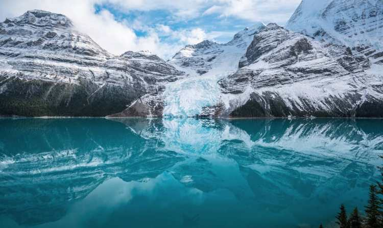 Berg lake rocky mountains