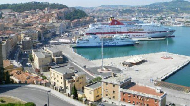 Ancona cruceros puerto