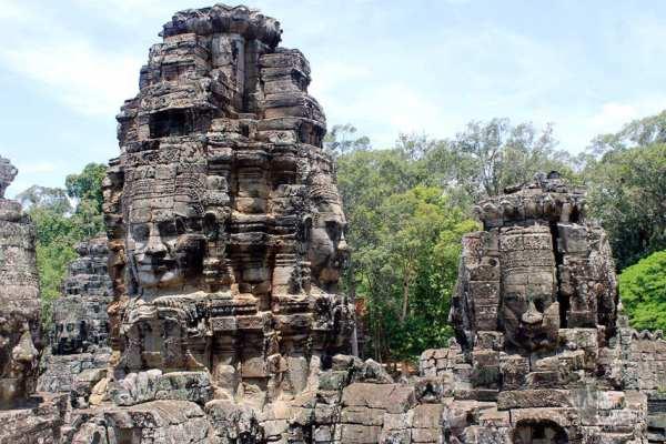 Bayon temple caras