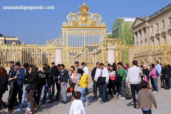 Fila en el Palacio de Versalles