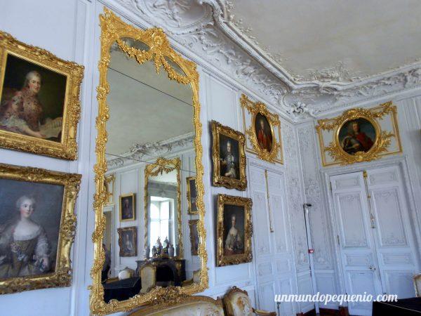 Sala con cuadros del Palacio de Versalles